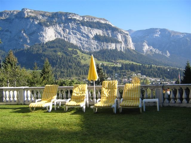 Grosser Garten mit einmaligem Panorama in Flims