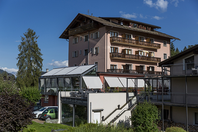 Haupthaus des Hotel Cresta in Flims
