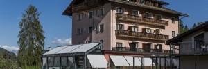 Haupthaus mit Speisesaal Hotel Cresta Flims