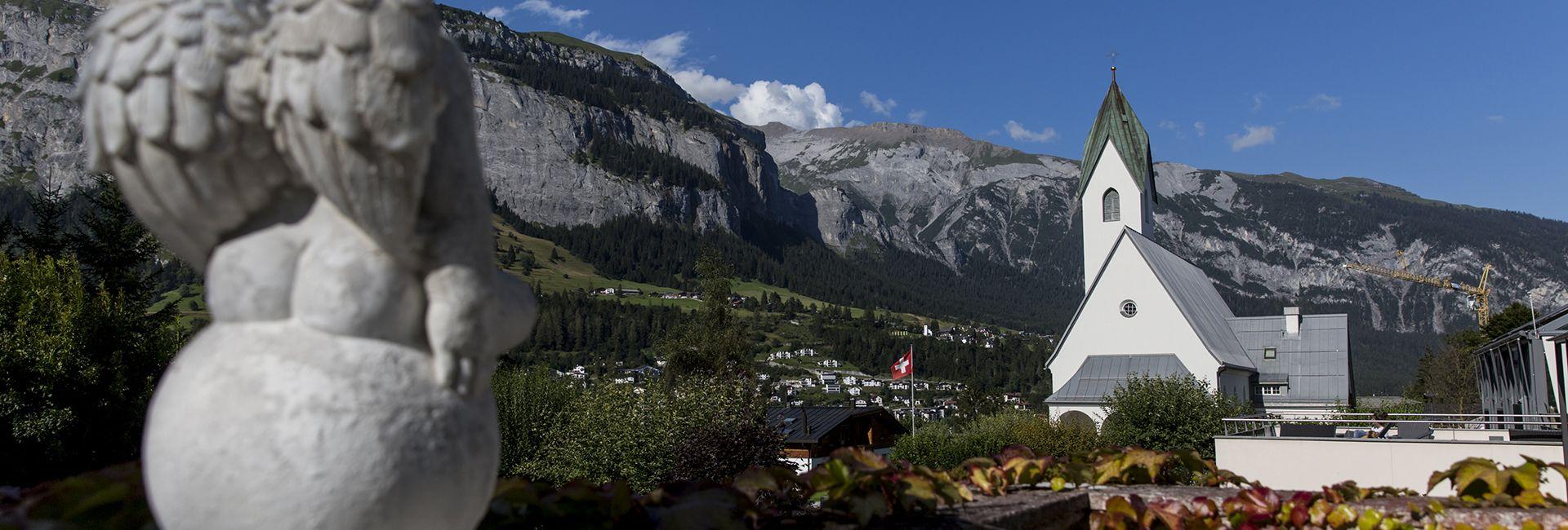 Ausblick vom Hotel in die Flimser Bergwelt