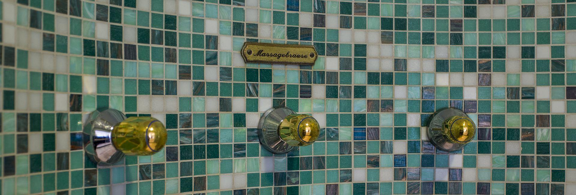Duschgrotte im Hotel Cresta Flims