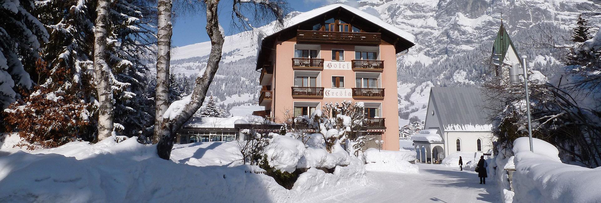 Aussenansicht des Flimser Hotel Cresta in Flims
